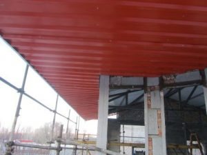 تصویر ساخت سقف ویلایی با ساندویچ پانل پلی یورتان 19